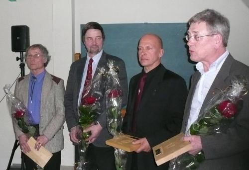 Ansioplakett 2007 (Olli Lehto ja Heimo Tuomarla (Pirkka-Hämeen Jätkäperinne), Jaakko Saaristo (Pielisen Karjalan tukkilaisperinne) ja Esko Pakkanen